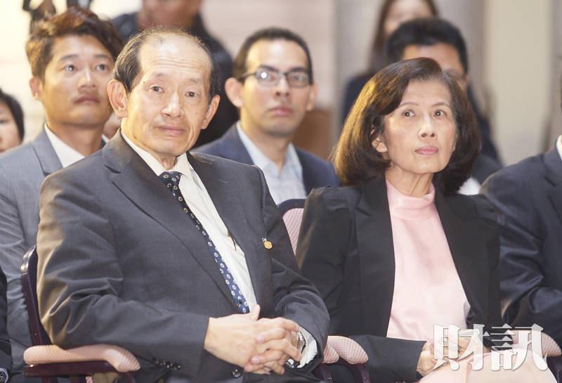 林郭文艷請出何壽川牽線 談判依然...