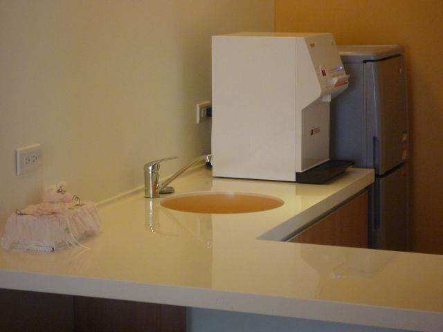 月子房內的洗手檯 JB-450