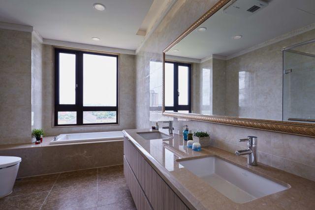 ▲明亮的浴室具備五星級酒店水準