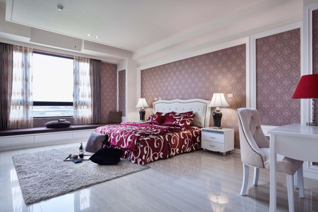 ▲臥室透過壁紙地毯窗簾床單揮灑個性